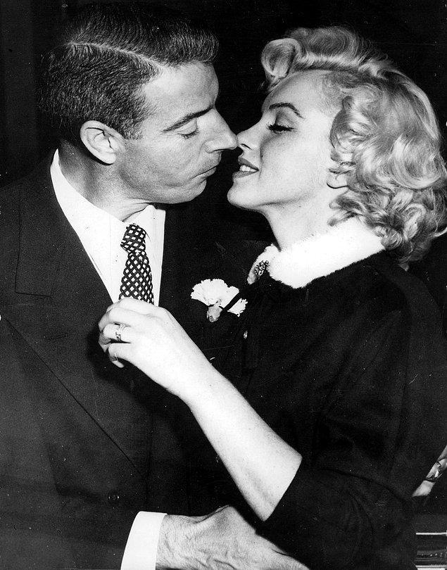 8. İkinci Evliliğini 1954 Yılında Joe DiMaggio İle Yaptı.
