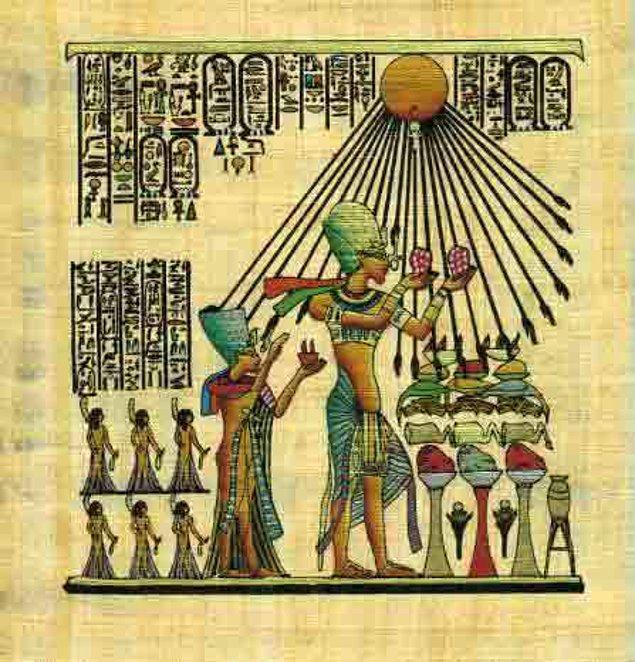 3. Ebeveynleri konusunda ciddi tartışmalar halen devam etmektedir. Bazı uzmanlar Tutankhaton'un, Akhenaton'un Nefertiti dışında başka bir kadınla olan ilişkisinden doğan oğlu olduğunu ileri sürmektedir.