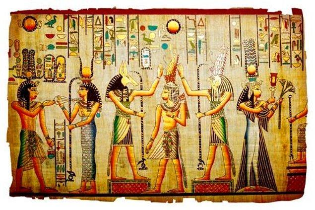 5. Tutankhaton, babası Akhenaton'un ülkeye yaydığı tek tanrılı din olan Aton dinini kabul etmedi ve eski tanrıları eski ihtişamlı günlerine geri döndürdü.
