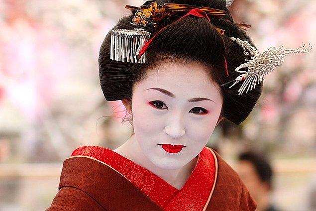 Japonya: Beyazlamak için Pirinç Unu ve Kuş Kakası