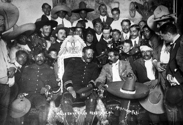 11. Zapata'nın ordusuna katılmak istemiş gibi davranan albay Jesus Guajardo ile Zapata bir buluşma yeri ayarladılar.