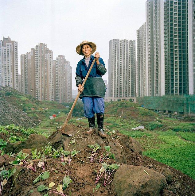 """3. Çongçing'in, Çin'in en büyük hidroelektrik santrali olan """"Three Gorges"""" barajının yanında olması 1,3 milyon insanın bu büyük şehre yerleşmesine olanak sağladı."""