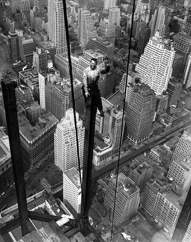1930'lu yıllarda nasıl yapıldı bu kadar görkemli bir bina diye düşünüyorsanız; gerçek anlamda ölümle yaşamın kıyısında gibi