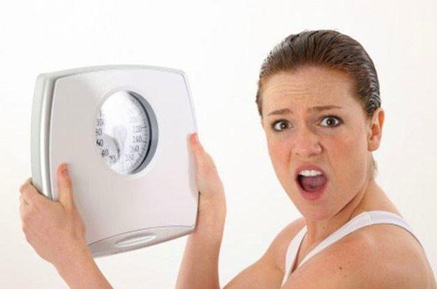 11. Diyetinizin 3. gününde kilo vermeyi bekleyemezsiniz. Yediğin onlarca  çikolatanın 3 günde eriyeceğini mi sandın?