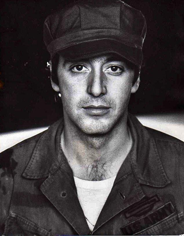 Gerçek adı Alfredo James Pacino ve 25 Nisan 1940 New York doğumlu.