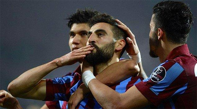 BİLGİ | Trabzonspor'da Mehmet Ekici, 22 maçta 9 gol atıp 9 asist yaptı.