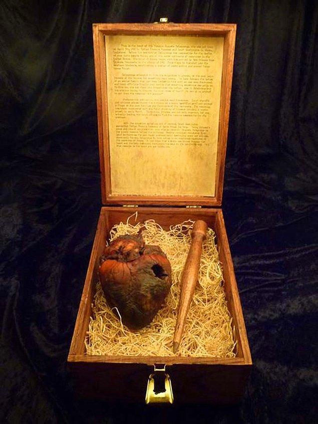 18. Vampir olmakla suçlanan Auguste Delagrange'ın kalbi, 1900'lü yıllarda en az 40 kişiyi öldürdüğü söyleniyor.
