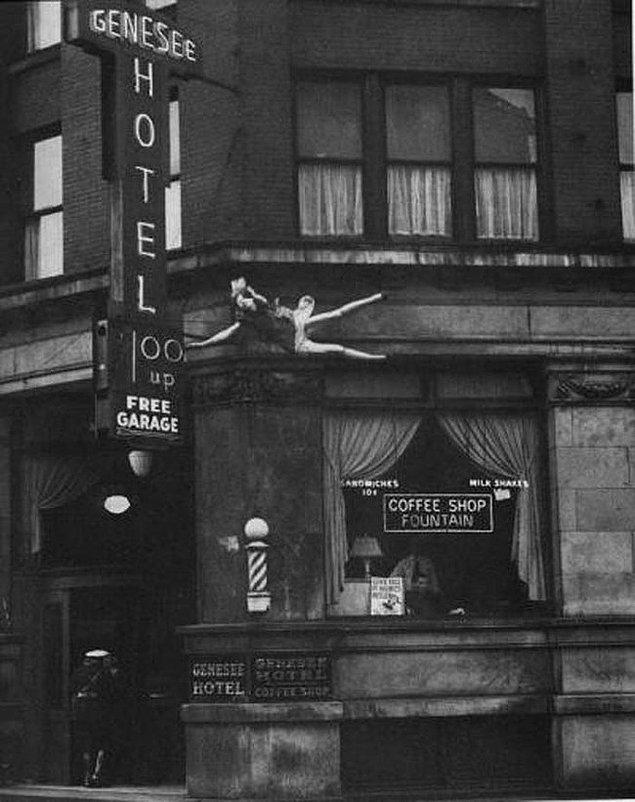 19. Genesee Otel'ın çatısından düşen bir kadın, 1942.