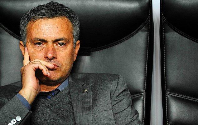16. Jose Mourinho'nun sözcüsü Elidos Parames