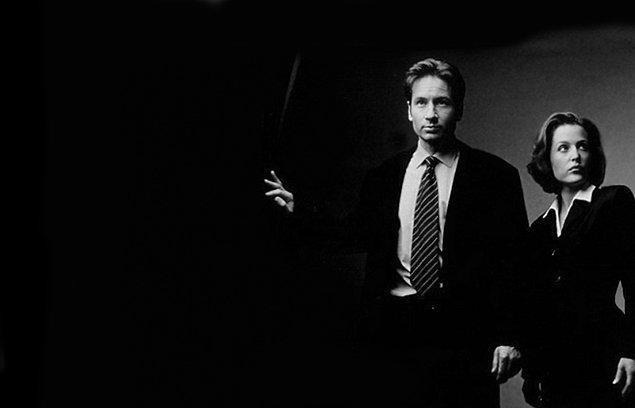 27. The X Files   (1993–2002)   IMDB / 8,8