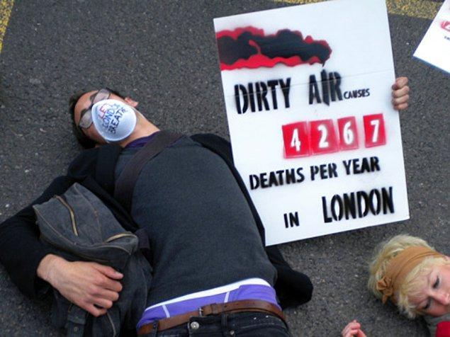19. Araştırmalara göre dünya üzerinde gerçekleşen her 8 ölümden biri çevre kirliliği ile alakalıdır.