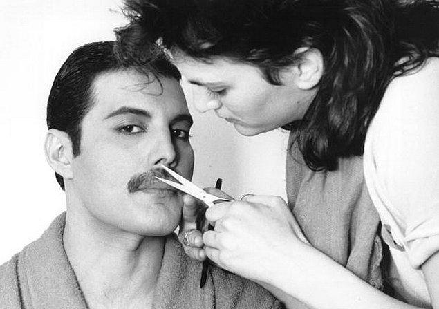 8. 1982 Yılında Freddie Mercury