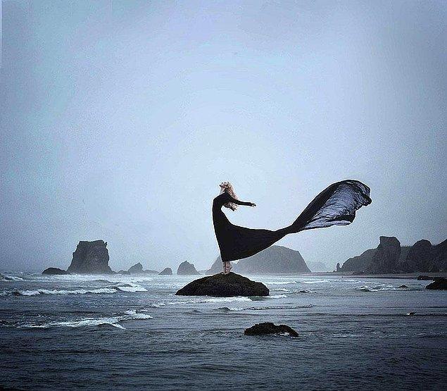 18. Onların tıpkı bir okyanus gibi derin ve gizemli kişilikleri vardır.