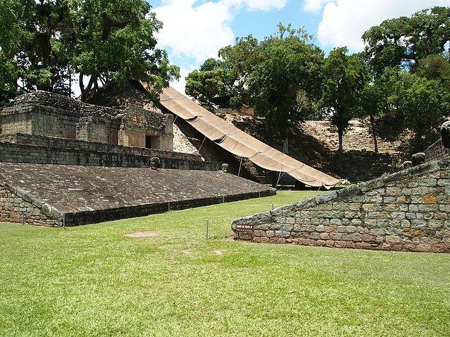 7. Tıpkı Azteklerde olduğu gibi Mayalarda da sonu kurban edilmeyle biten, topla oynanan bir oyun mevcuttu.