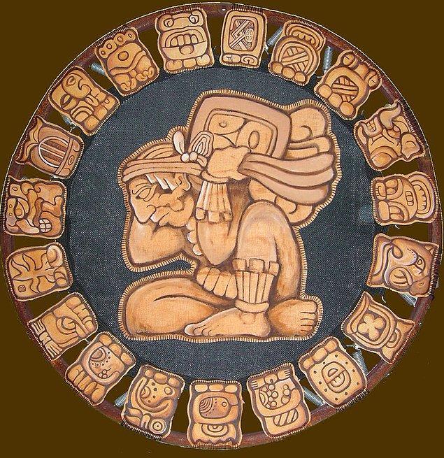 15. Mayalarda kullanılan 3 takvim vardı, biri modern miladi takvim gibi bir yılı 365 gün olarak kabul ediyordu.