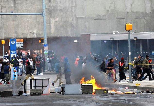 Maryland Eyaleti Baltimore'da olağan üstü hal ilan ettiğini duyurdu