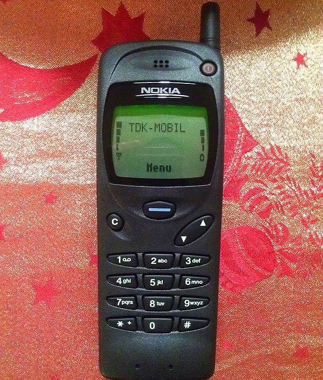 2. Nokia 3110