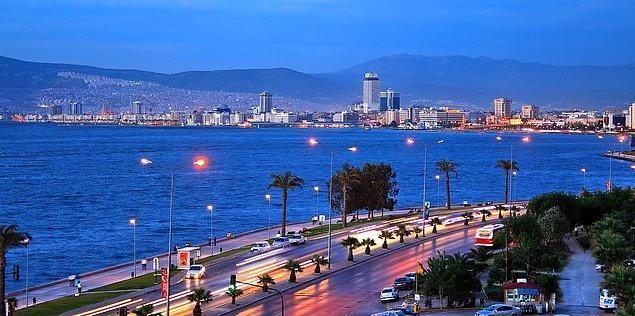 24. Ve kimsenin kimseye karışmadığı, baskı uygulamadığı, özgürlüklerin kısıtlanmadığı, yaşanılası şehir: İzmir.