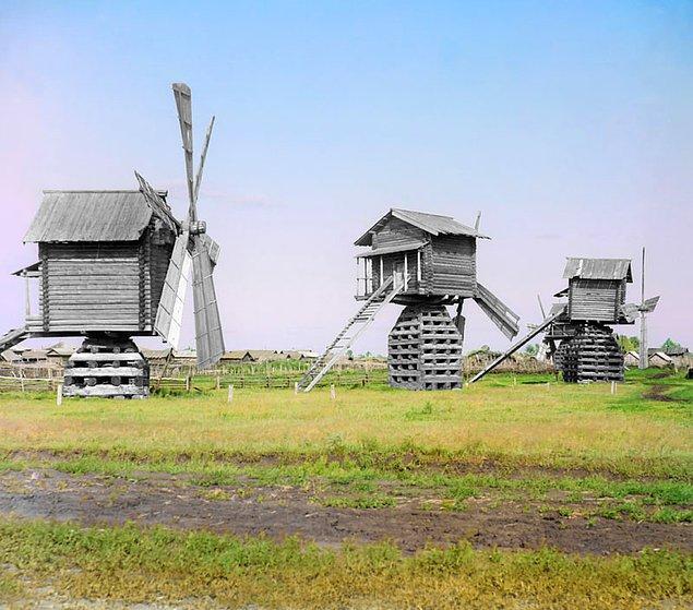 14. Tobolsk bölgesindeki rüzgar değirmenleri (1912)