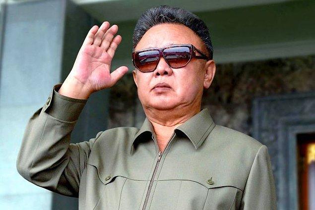 10. Kim Jong İl'in bestelediği 6 opera eseri mevcuttur.