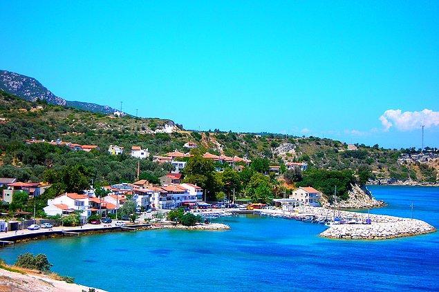 15. İzmir'in en küçük ilçesi olan Karaburun'un koylarına gidin