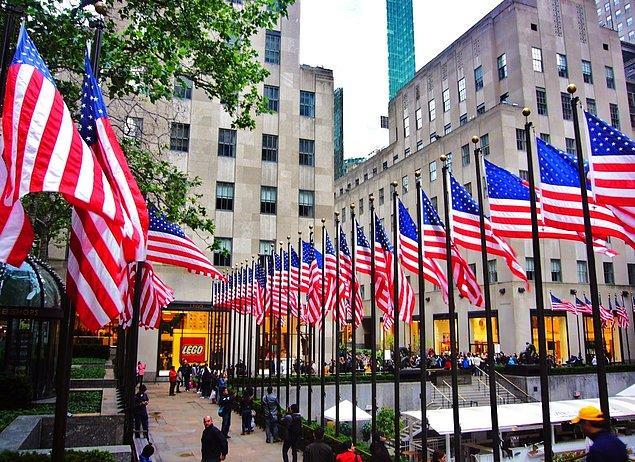 6. Türkiye'de her yerde Türk bayrağı var diyorsanız bir de Amerika'yı görün.