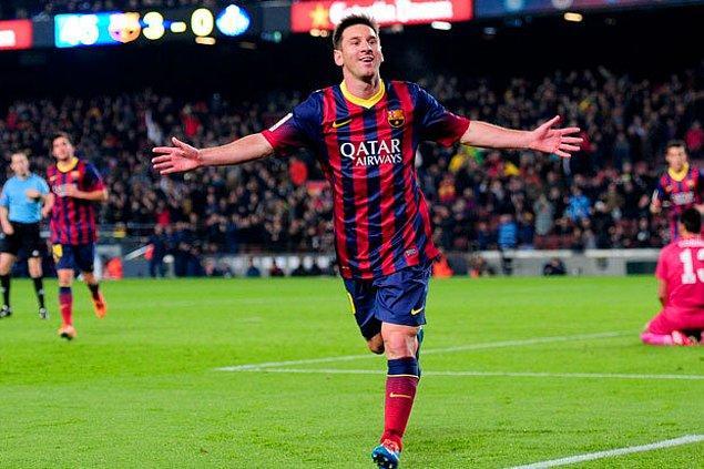 """En çok """"hat trick"""" yapan Messi"""