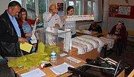 Trafo Patladı, Oylar Cep Telefonu Işığıyla Sayıldı