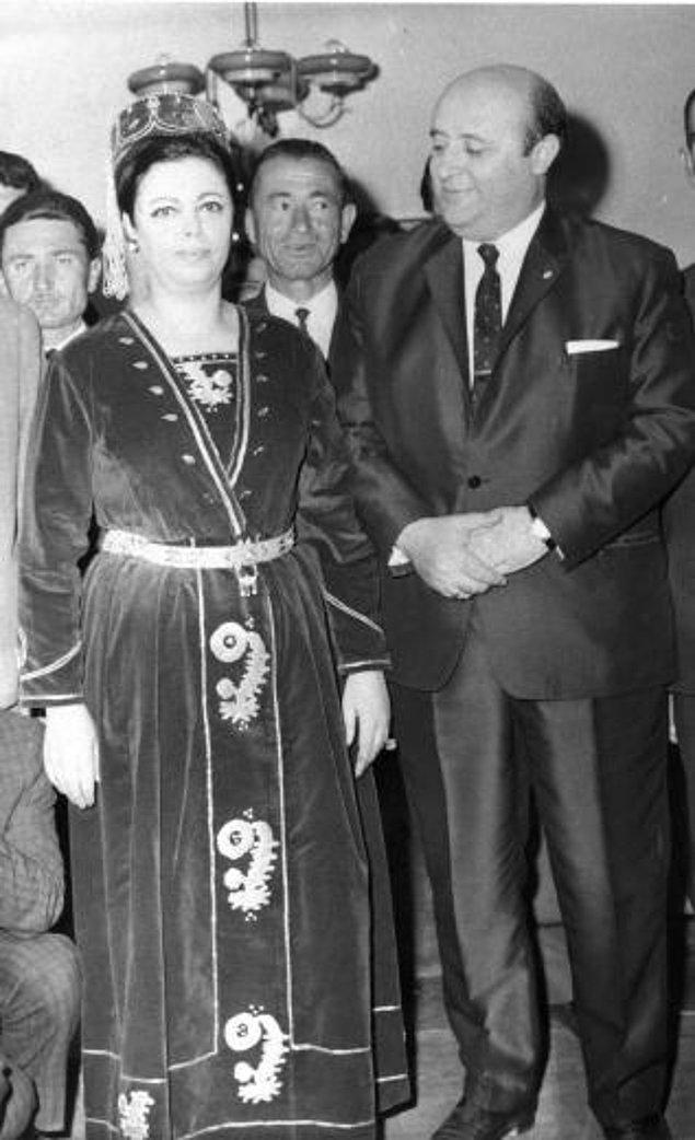 1948'de Nazmiye Demirel'le evlendi.