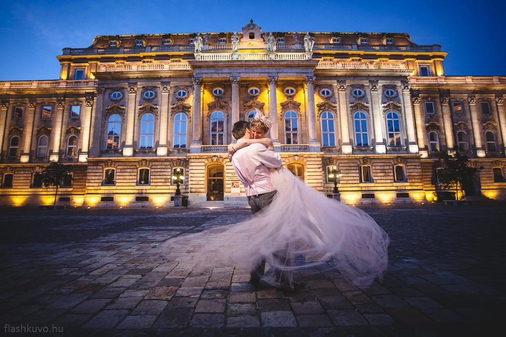 70 Ülkede 70 Düğün ile Evlenip, Masal Kahramanlarını Bile Kıskandıran Çift