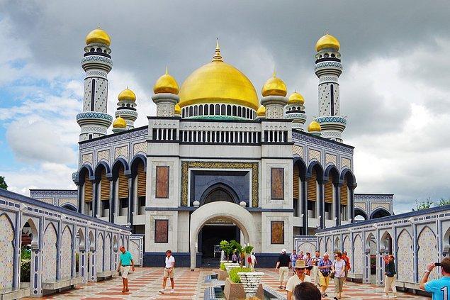 27. Jame Asr Hassanil Bolkiah Camii, Bandar Seri Begawan, Brunei