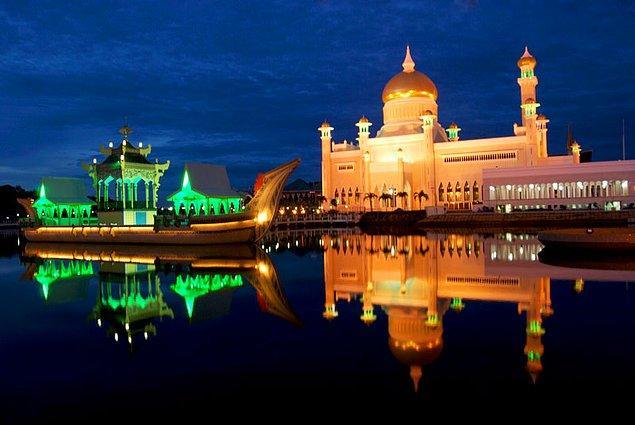 33. Sultan Ömer Seyfeddin Camii, Bandar Seri Begawan, Brunei