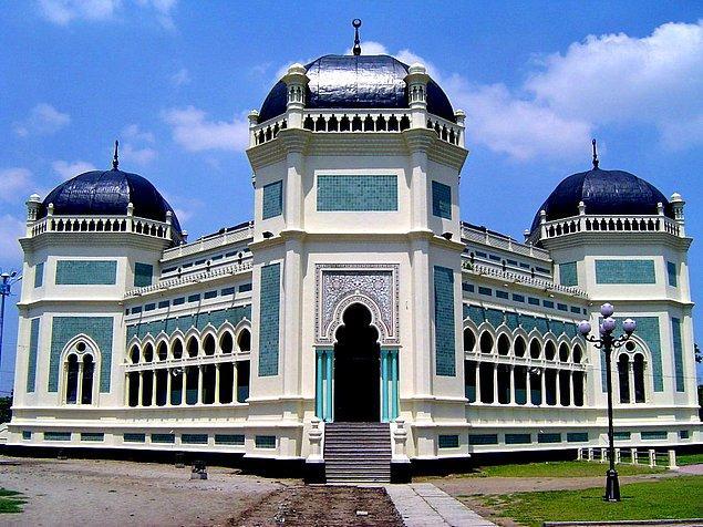 32. Mescit-i Raya, Tanjung Pinang, Endonezya