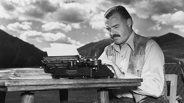 """3. """"Gerçekten yeteneği olan ve söylemek istediği şeyler hakkında samimiyetle hissettiklerini yazan hiç kimse bu kurallara uyarak kötü bir şey yazamaz."""""""