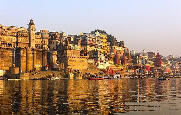 2. Varanasi, Hindistan