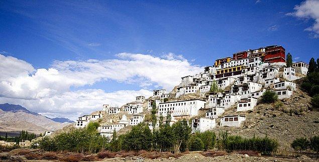 14. Thikse Manastırı; Ladakh, Hindistan