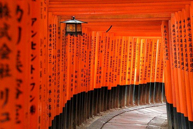 23. Fushimi-Inari-Taisha; Kyoto, Japonya