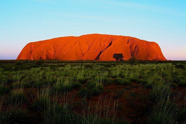 24. Uluru; Avustralya