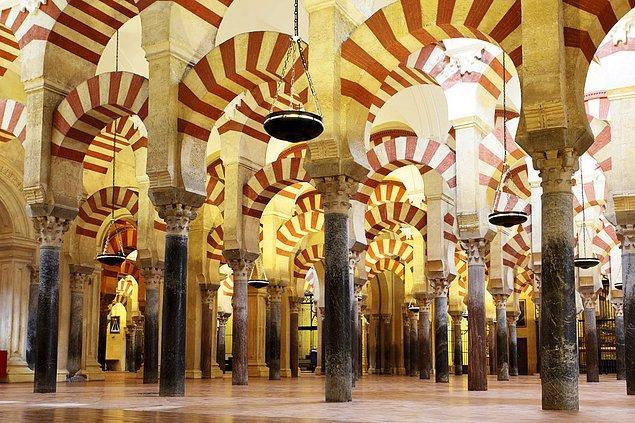 42. Kurtuba Camii/Katedrali; Cordoba, İspanya