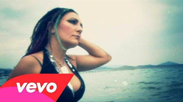 Yaklaşık 5 yıl aradan sonra 2010 yılında 'Bana Bi' Şey Olmaz' albümüyle müziğe sessiz sedasız bir geri dönüş yaptı.