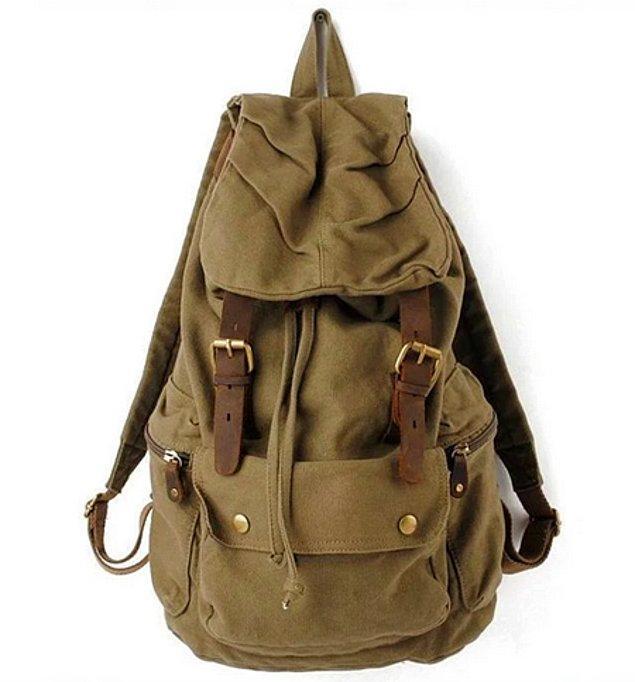 7. Asker stili çantalar ile okula gitmek.