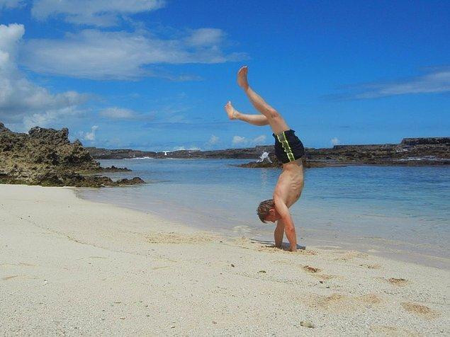 Gunnar'ın Tonga'da gezmediği kumsal kalmamış.