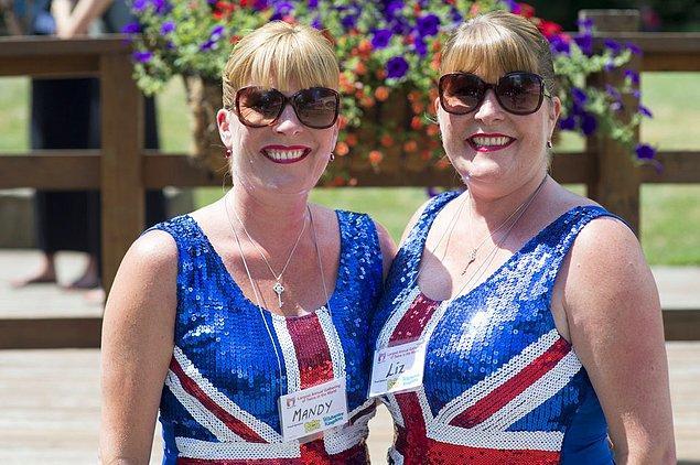 2. Festival için Londra'dan gelen Mandy Vazquez ve Liz Blower ''En Benzer İkiz'' yarışmasının kazananlarıydı.