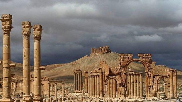 9. IŞİD Palmyra Antik Kentindeki Tapınağı 'Havaya Uçurdu'