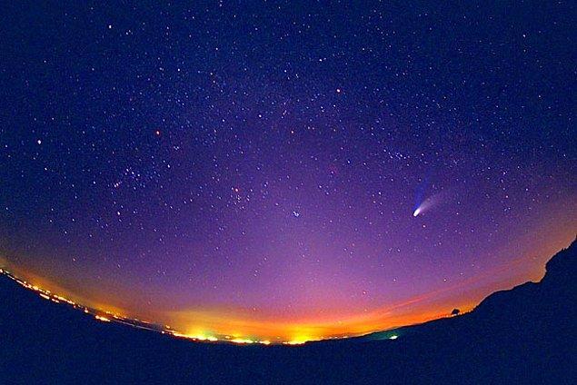 13. Dünya'dan çıplak gözle görülebilen en parlak yıldız Büyük Köpek Takımyıldızı'ndaki Sirius yıldızıdır.