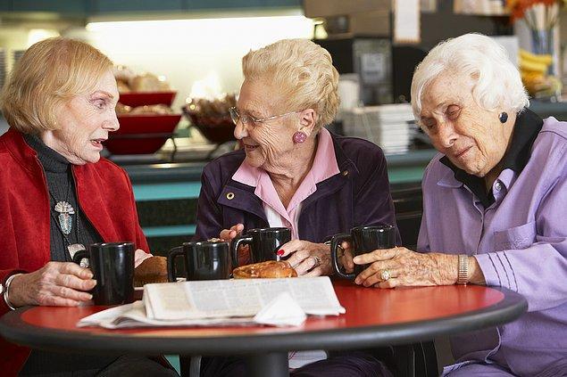 3. Biri size kahve, çay ya da yemek ısmarladığında bir hafta içinde iyiliğine karşılık verebilirsiniz.