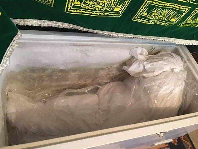 Cemile'nin cansız bedeninin buzluktaki görüntüsü...  Cenazenin kaldırılmasına izin verilmediği için, Cemile'nin bedeni bir buzlukta bekletiliyor.