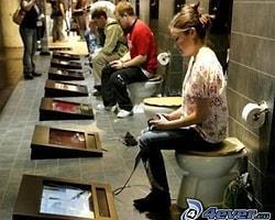 Misafirlikte tuvaletteyken ses çıkarmamaya çalışmak