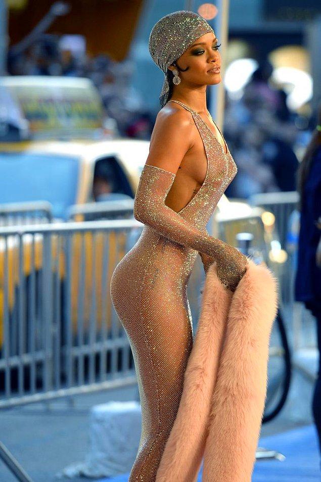13. Tüm zamanların en seksi kadını: Rihanna