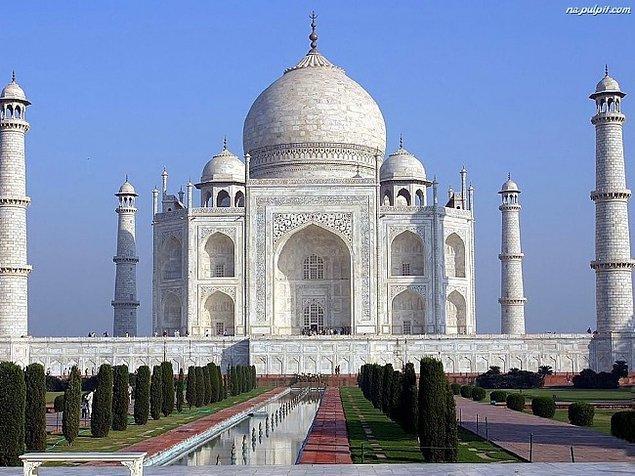 4. Tac Mahal (Hindistan)